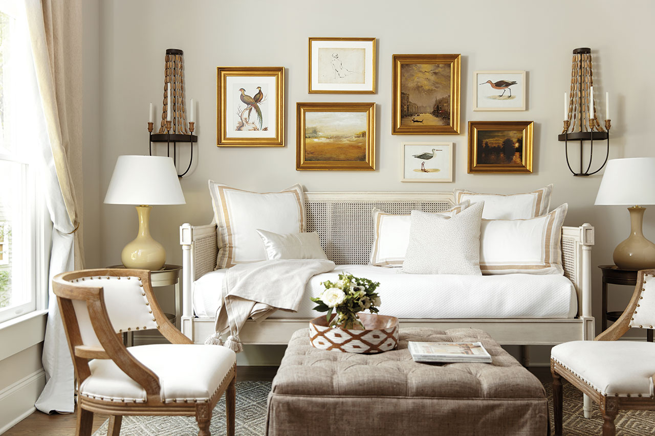 - Daybed In Living Room - ACNN DECOR