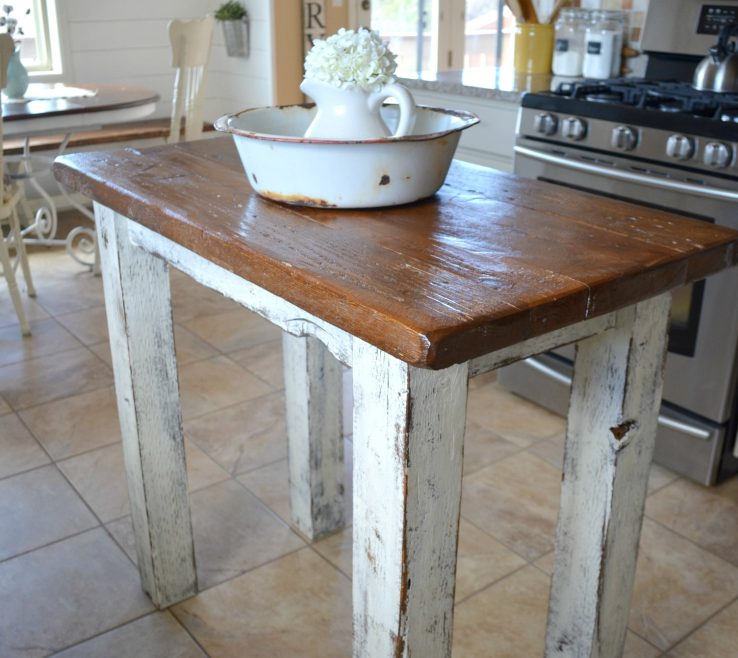 Charming Small Rustic Kitchen Of E Style Island Made From Reclaimed Barn