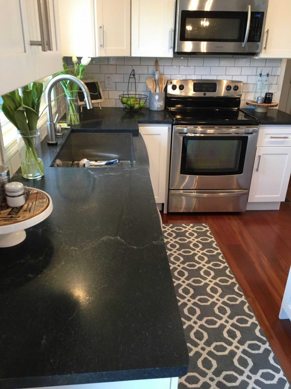 Elegant Black Marble Kitchen S Of Natural Stone Granite Price Per Foot Honed
