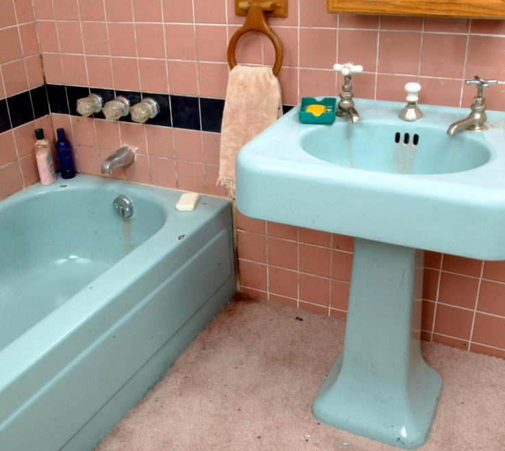 Entrancing Bathroom Tile Refinishing Of Tips From The Pros On Painting Bathtubs