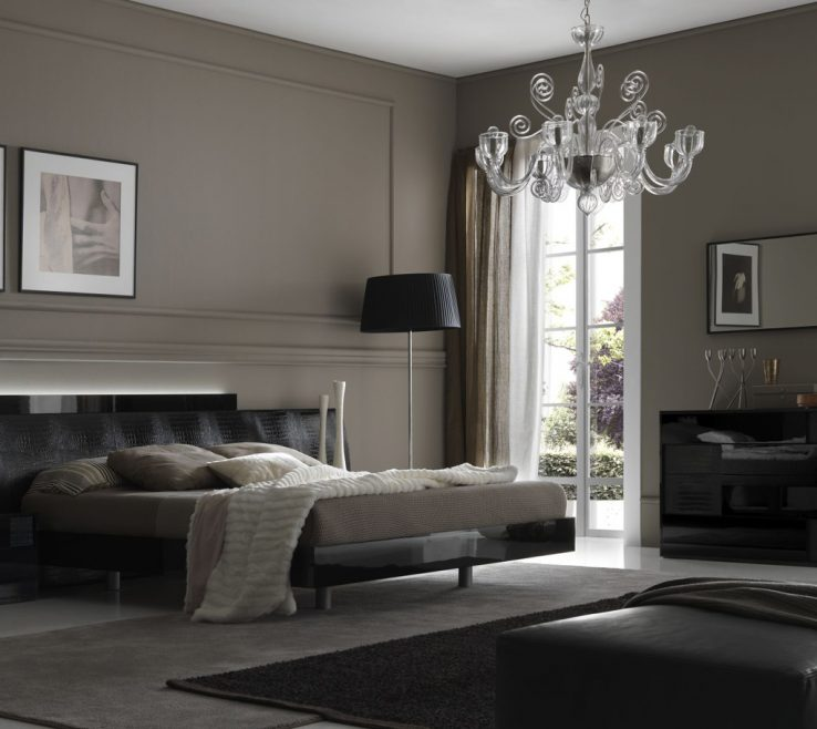 Exquisite Best Gray Paint Colors For Bedroom Of Clear Glass Chandelier Over Full Size Low