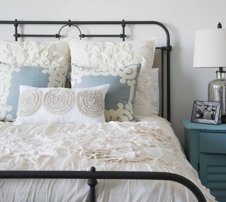 Guest Bedroom Decorating Ideas Of Collections