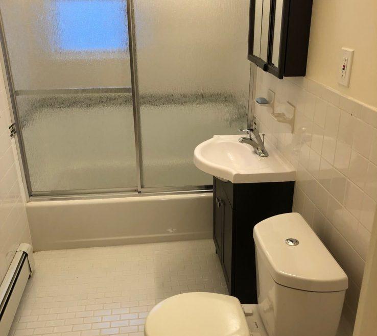 Interior Design For Renovated Bathrooms Of 7 Astoria Manor Apartment Rentals, Elizabeth Nj