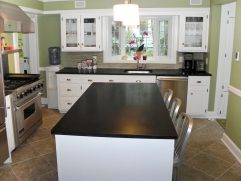 Kitchens With Black Countertops