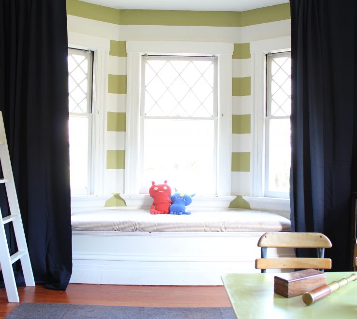 Lovely Bay Window Bedroom Of Curtain For Big Ideas Ideas For Curtains