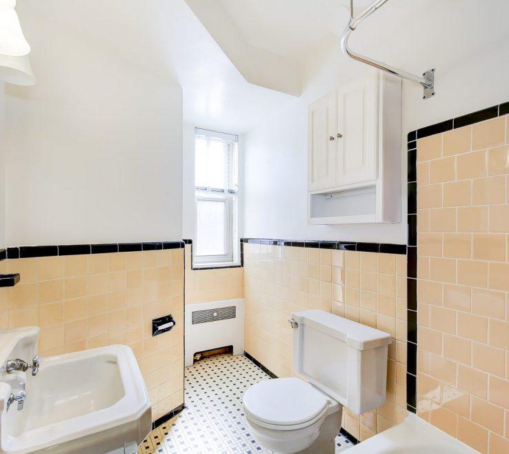 Mesmerizing Apartment Bathroom Of 2800 Woodley Road Bathroom Washington Dc Apartment Rental