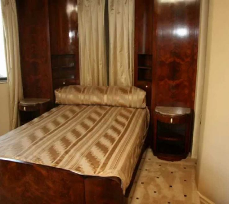 Superbealing Art Deco Bedroom