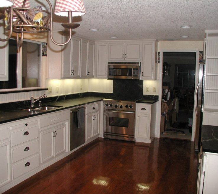 White Kitchen S With Black S Of And Brown Floor