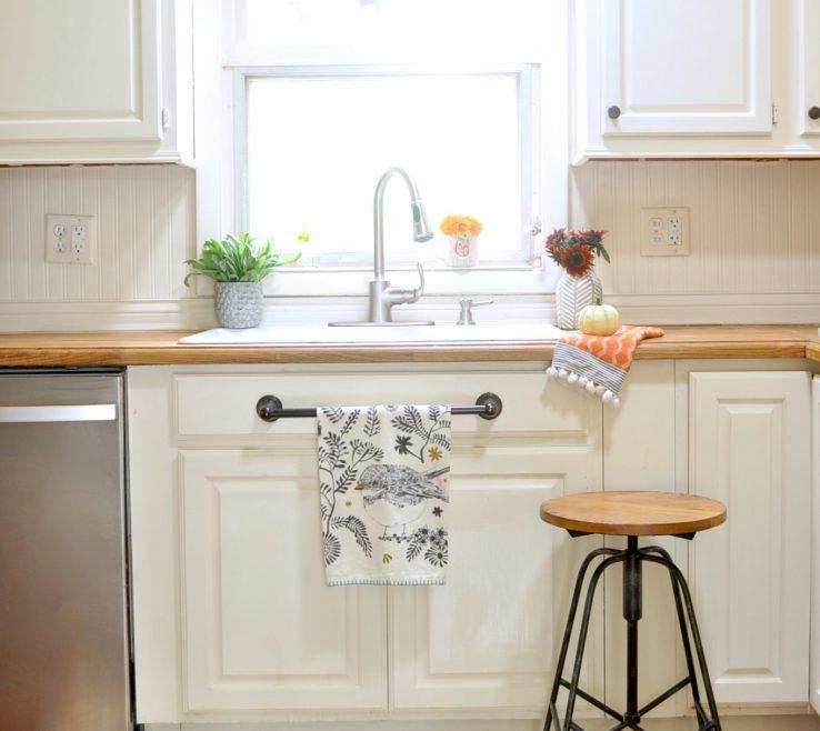 Amazing Window Sill Ideas Of Kitchen Tiled Kitchen Kitchen Accessories Indoor Herb