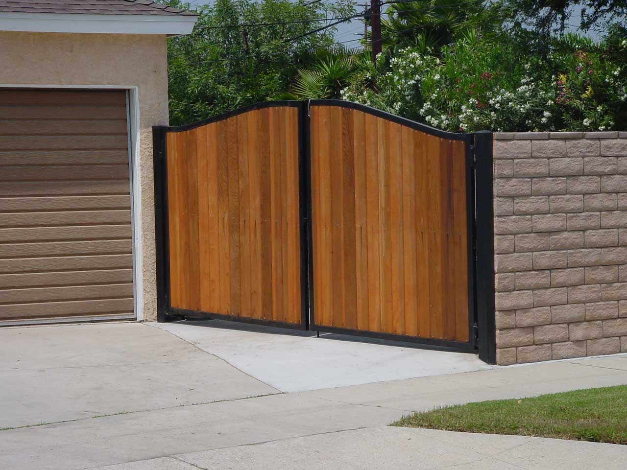 Charming Modern Fence Designs Metal Of Cool Garden And Front Yard