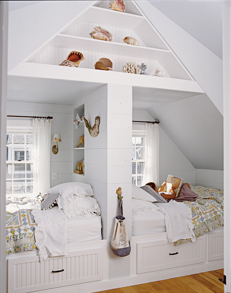Cool Beach Home Interior Design Of Two Bed Loft With Seashell Accents