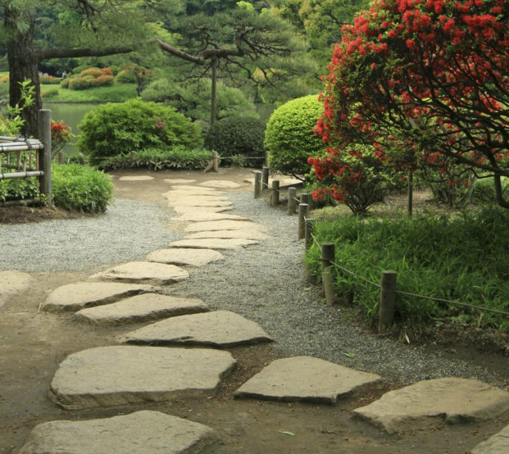 Eye Catching Japanese Garden Ideas Of A Stone Footpath Is Perfect In A