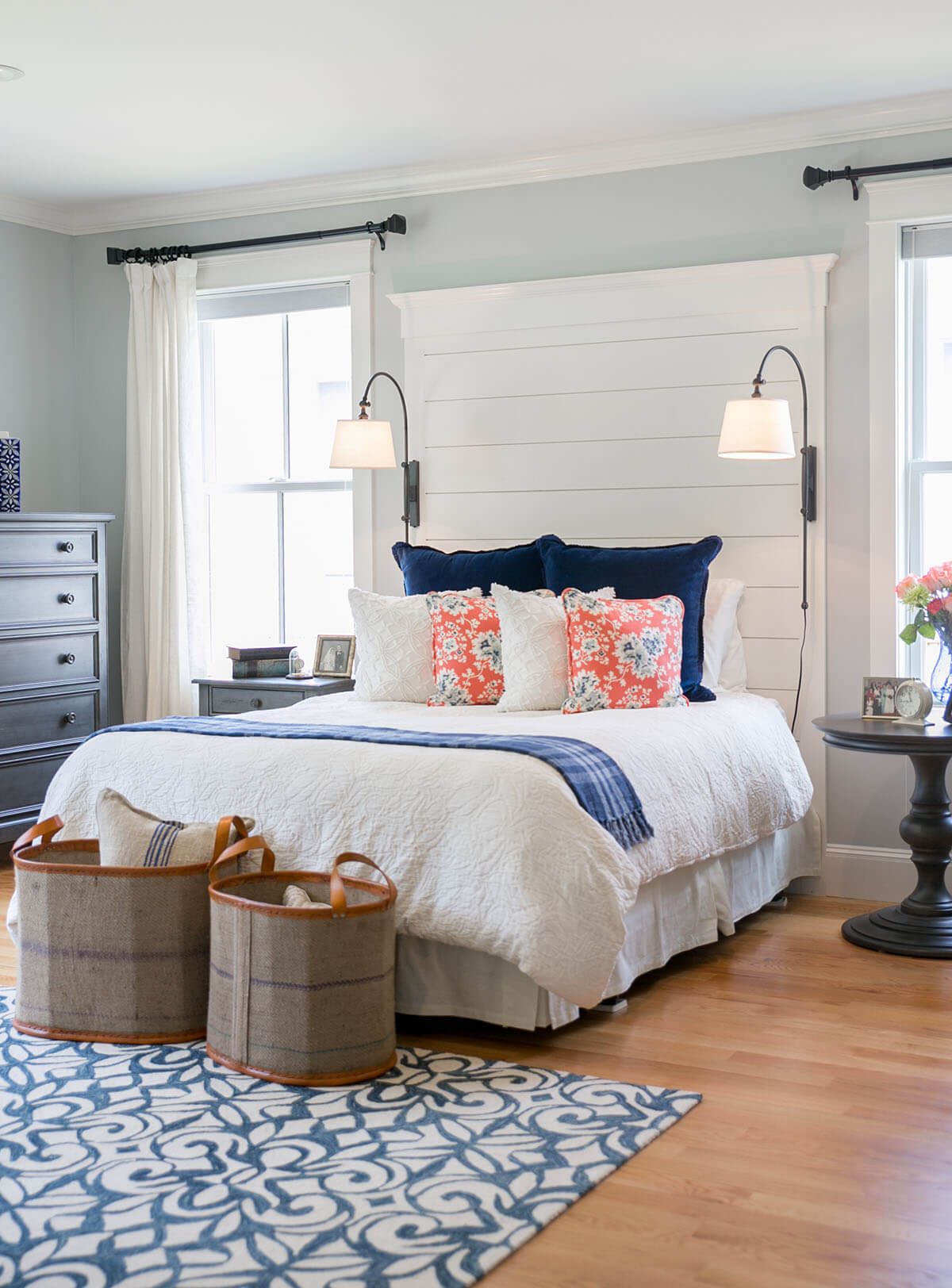 Fascinating Beach Home Interior Design Of A Quaint Bedroom With Bright Accent