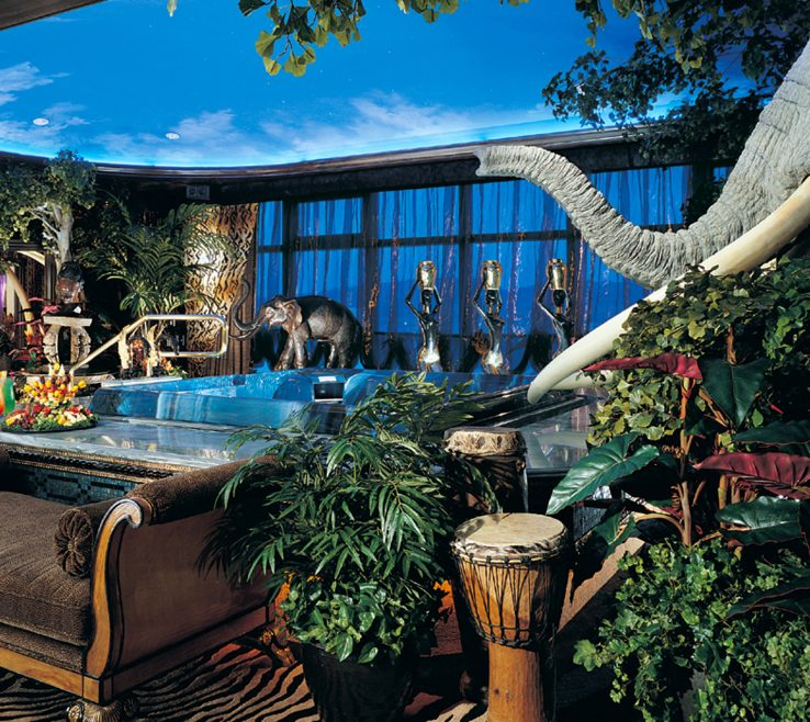 Magnificent Safari Themed Living Room Of Peppermill Tower Adventure Super Suite | Peppermill