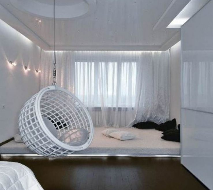 Magnificent Swing In Room Of White With Small Lighting And Round