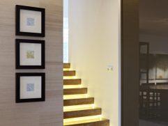 Modern Staircase Lighting