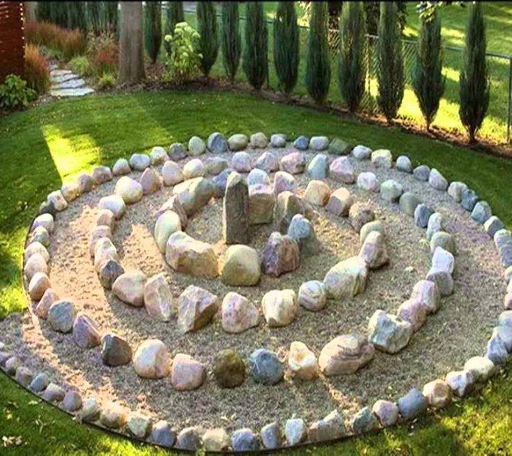 Adorable Stone Rocks For Garden