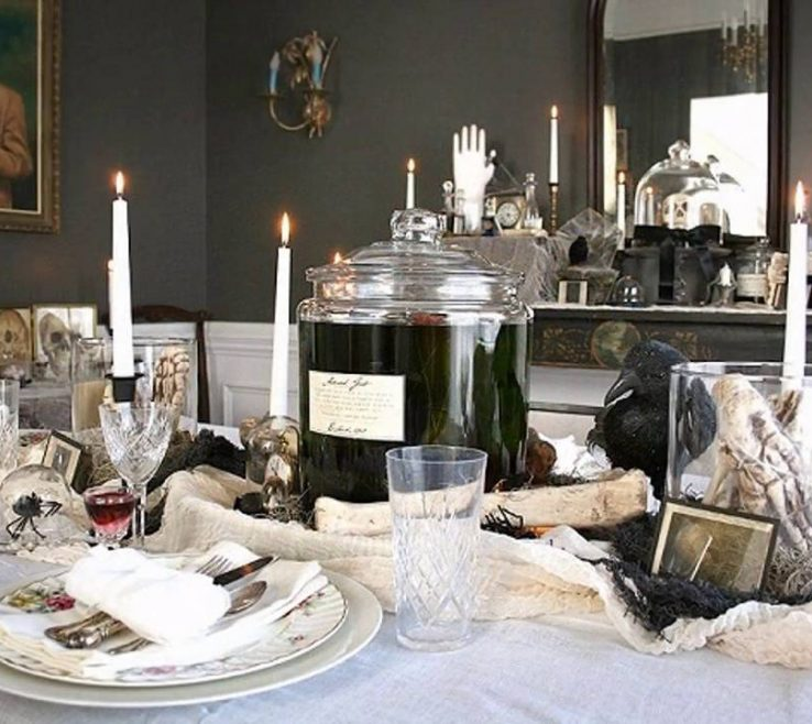 Charming Black And White Decorating Ideas For A Party Of Red Themed