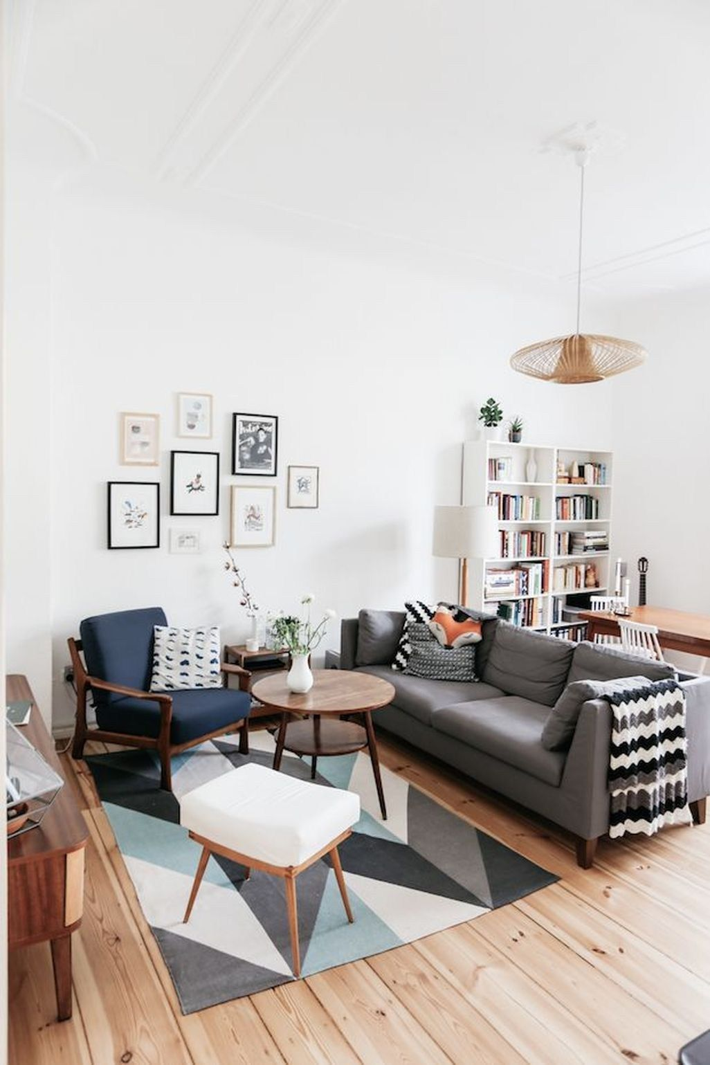 Endearing Inexpensive Living Room Decorating Ideas Of Apartment Decor Homehihoo