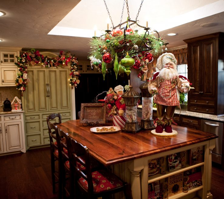 Endearing Show Home Decorating Ideas Of Kitchen Decorated For Christmas