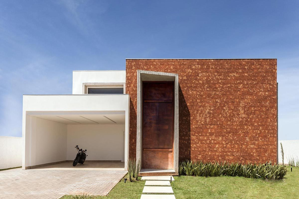 Entrancing Modern Accent Wall Ideas Of Stylish Minimalist Home With Garage Also Brick
