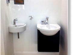 Corner Pedestal Sinks For Small Bathrooms