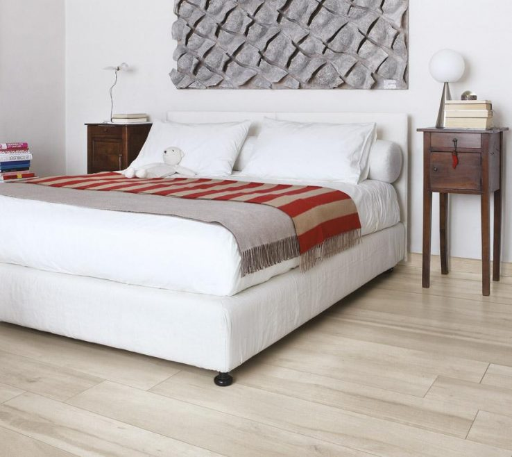 Lovely Bed In Floor Of Four Seasons · Collezione Travel · Collezione Gotha