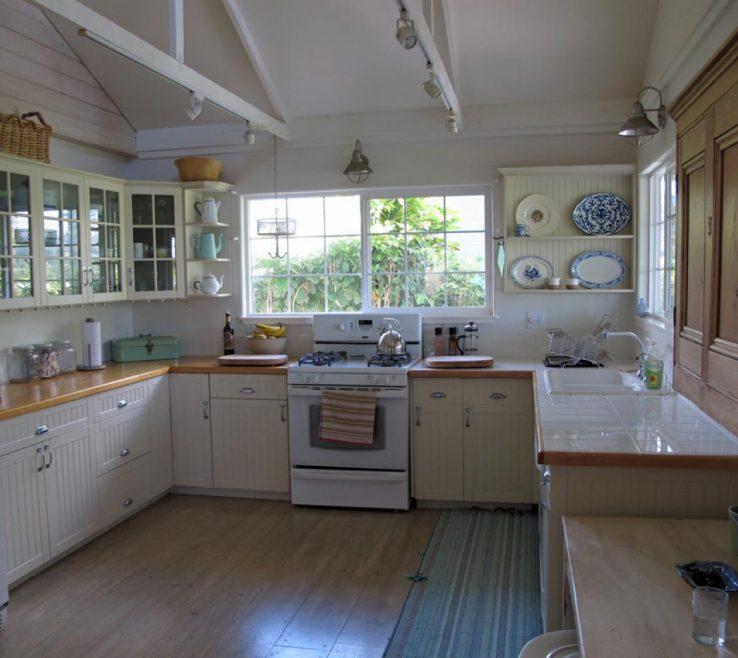 Remarkable Retro Decorating Ideas Of Ci Melissa Newirth Coastal Design Kitchen Sx