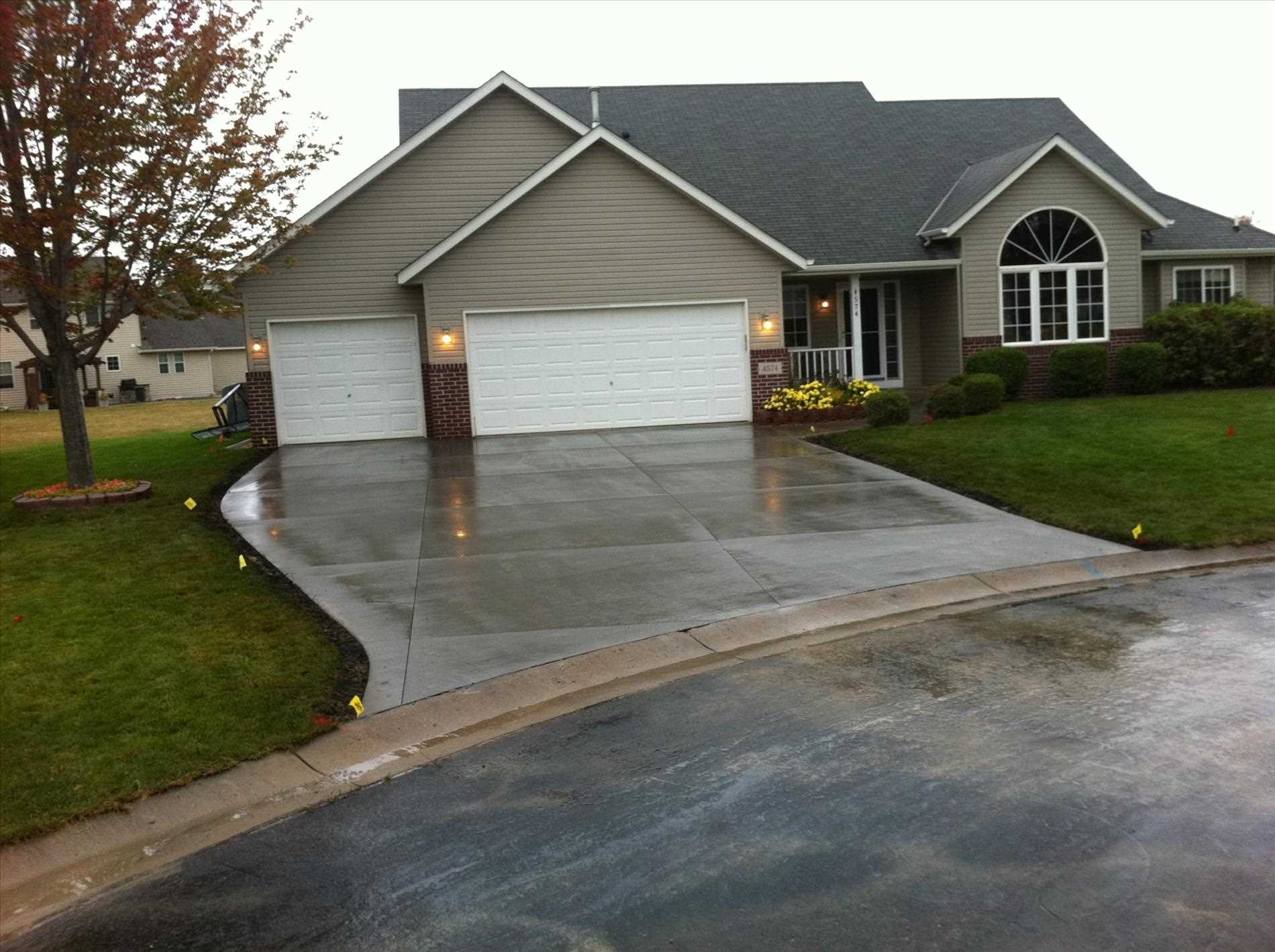 Terrific Driveway Entrance Ideas Of With Perennial Small ...