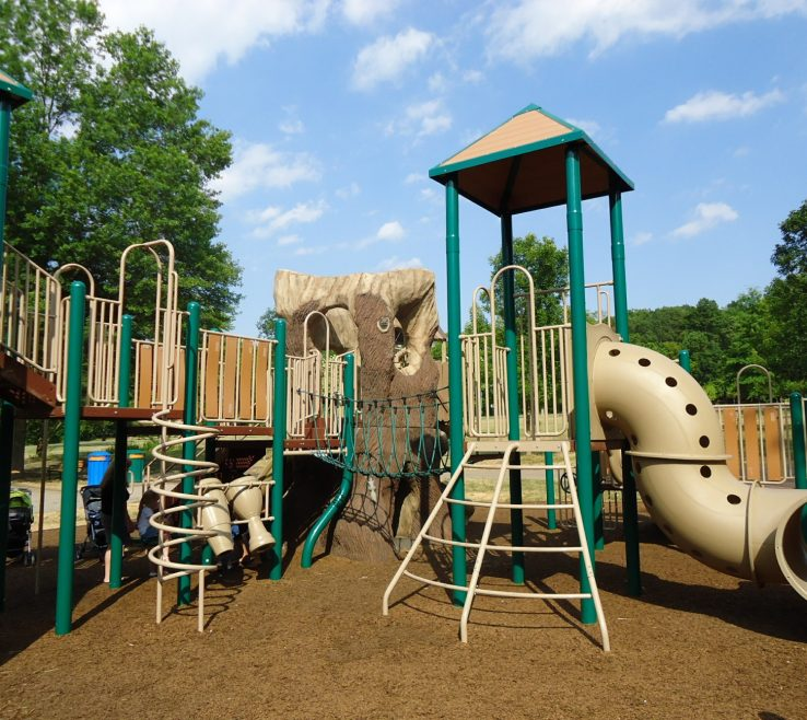 Vanity Ideas For Playgrounds Of Some Wonderful You Can Try Out