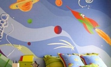 Wallpapers To Revive Rooms From Cracked Walls