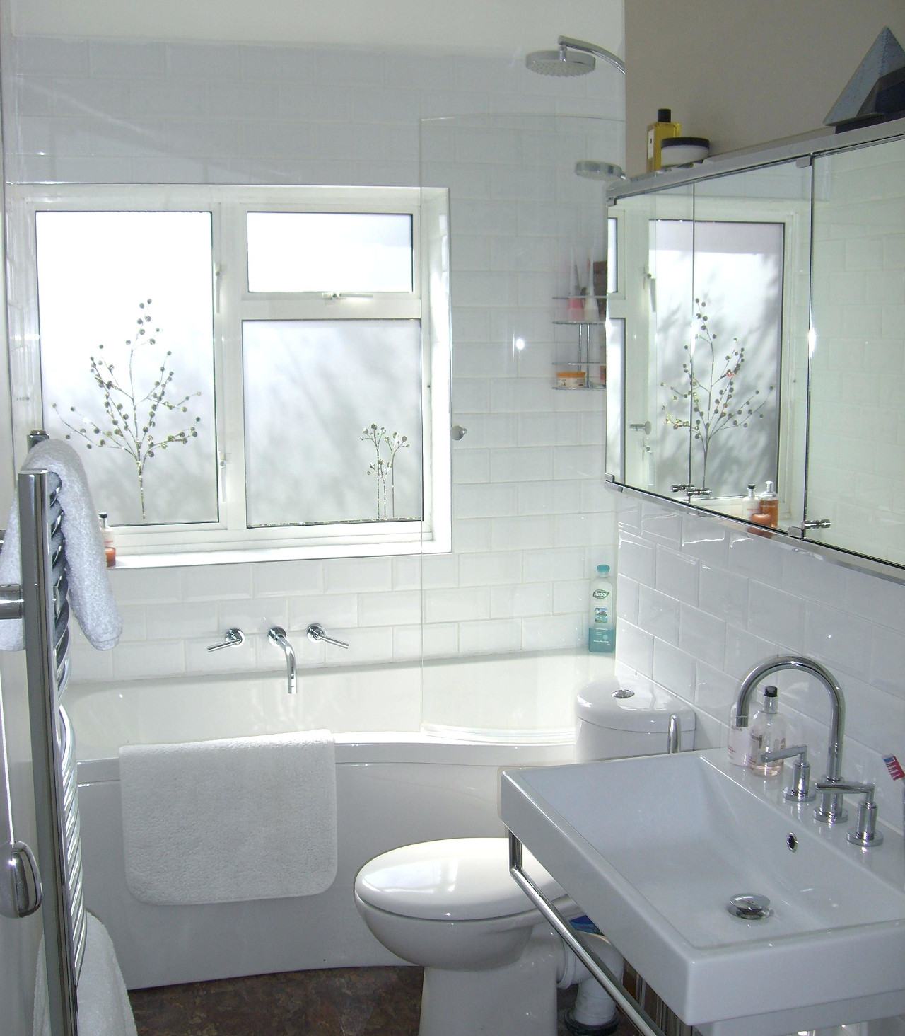 Photo Of Combine Shower And Tub Decoration In The Bathroom