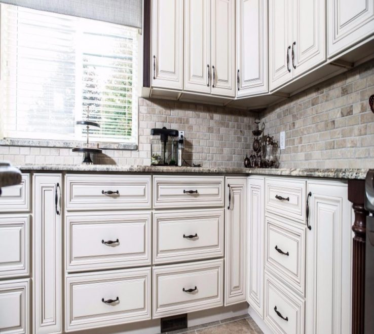 Charming White Kitchen S Of Charleston Antique Rta Charleston
