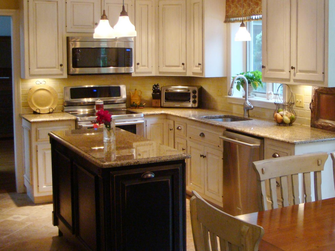 Small Kitchen Layouts With Islands