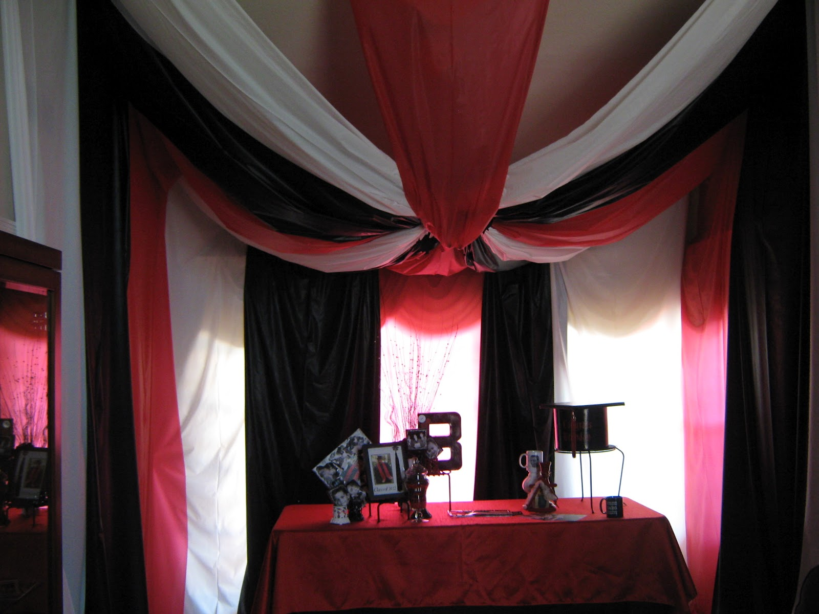 Artistic Black And White Decorating Ideas For A Party Acnn Decor