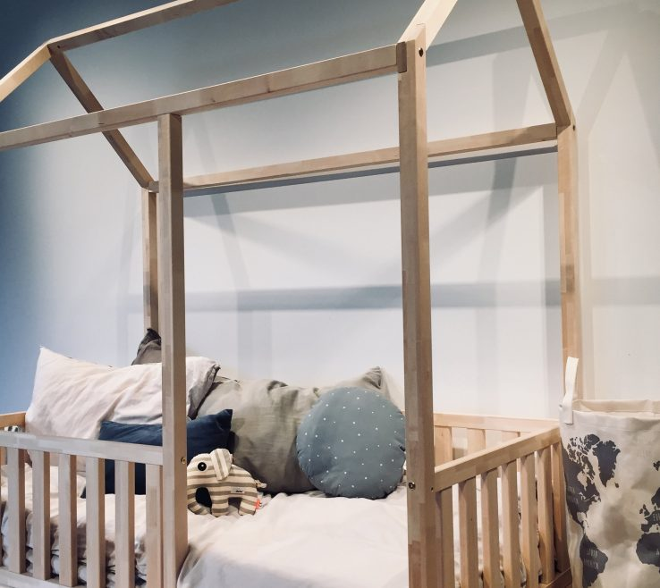 Astonishing Bed In Floor Of Kingqueen Size Toddler Play E Frame Children